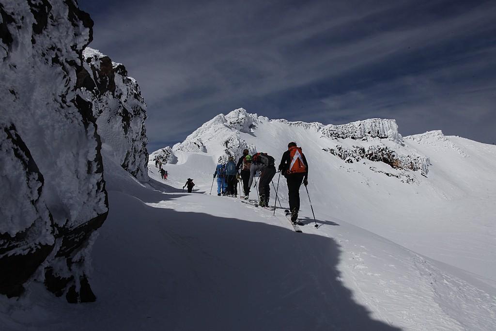 Ski de randonnée sur les volcans du massif de l'Araucanie - Les matins du monde
