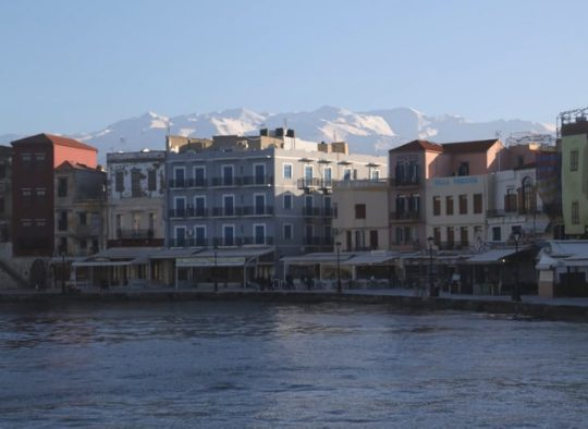 Grèce - Crète - De montagne en montagne avec en arrière plan la mer