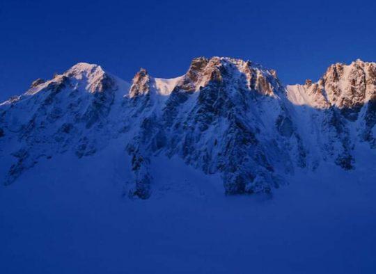 France/Suisse - Tour des Aiguilles Dorées - Les matins du monde