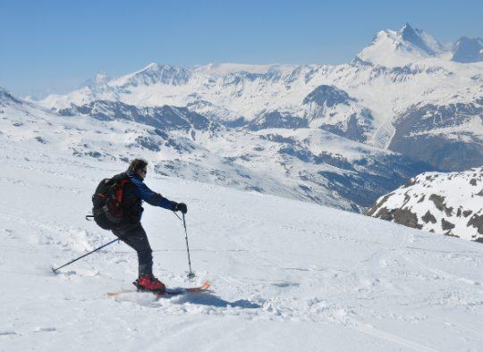 France - Initiation au ski de randonnée dans les Alpes, en Belledonne