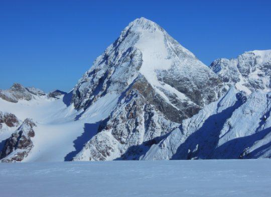 Ortles, raid itinérant à ski de randonnée - Les matins du monde