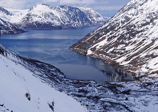 Bateau ski de randonnée en Norvège, dans le Finnmark  - Les matins du monde