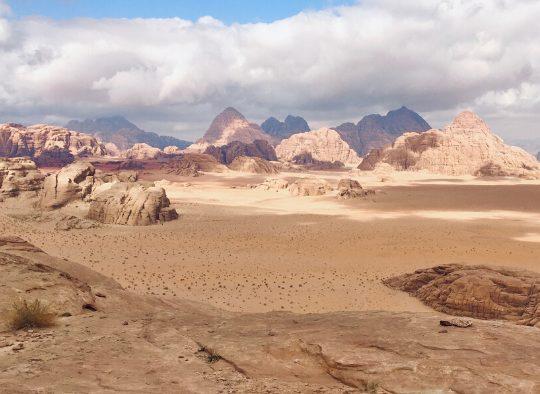 Randonnées aériennes (route bédouine) et canyons au Wadi Rum - Les matins du monde