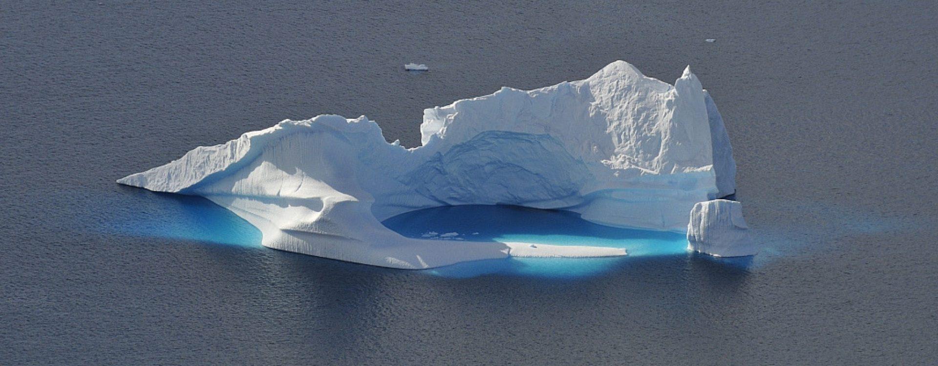 Antarctique - Péninsule Antarctique - Ski voile - Les matins du monde